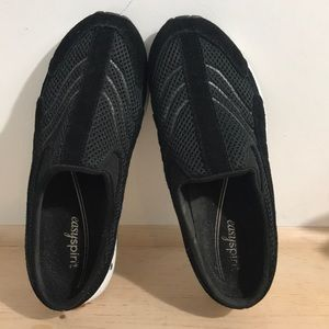 Easy Spirit women clogs shoes size 7 color Black